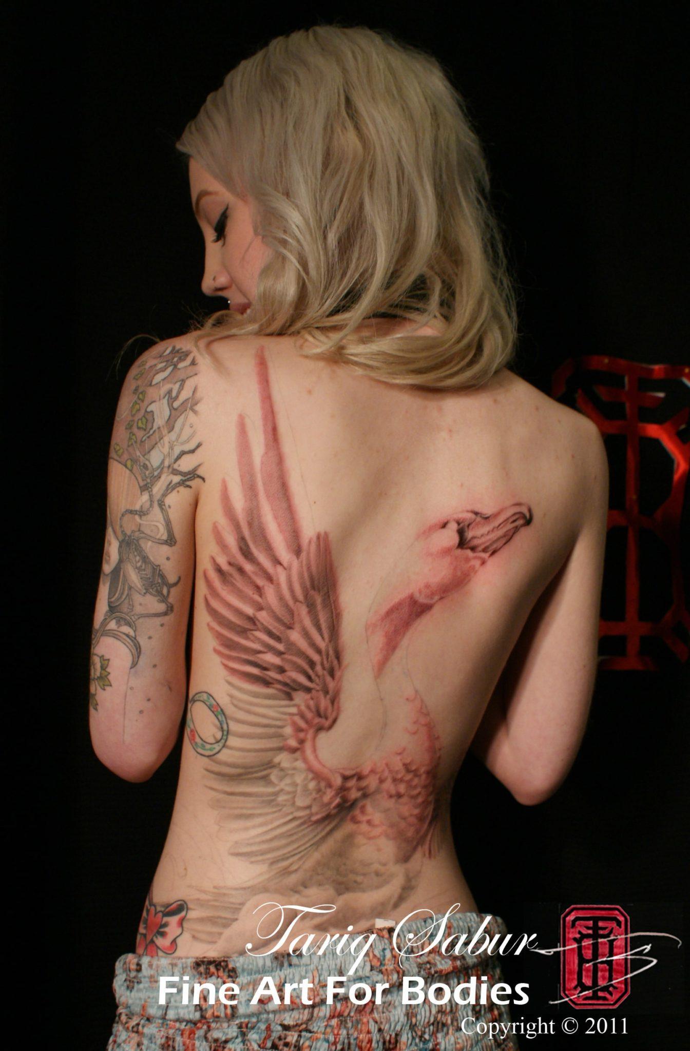 Tariq Sabur Tempe Tattoo artist fine art for bodies swan black and grey female backpiece tattoo crane female nude SIG-DSC06701
